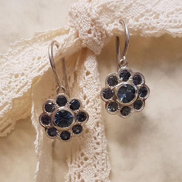 Ohrhaenger Silber Safire dunkelblau Bluemchen (250932)